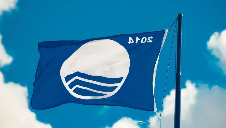 Even 85 beaches in Halkidiki have been awarded the Blue Flag